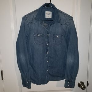American Eagle Denim Jacket Size Medium with Studs